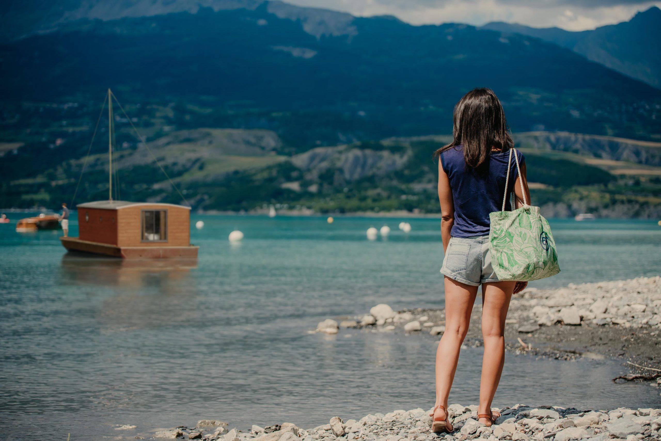 Les toues cabanées du lac de Serre-Ponçon
